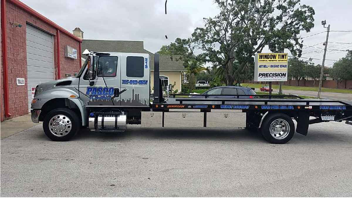 Towing Holiday FL